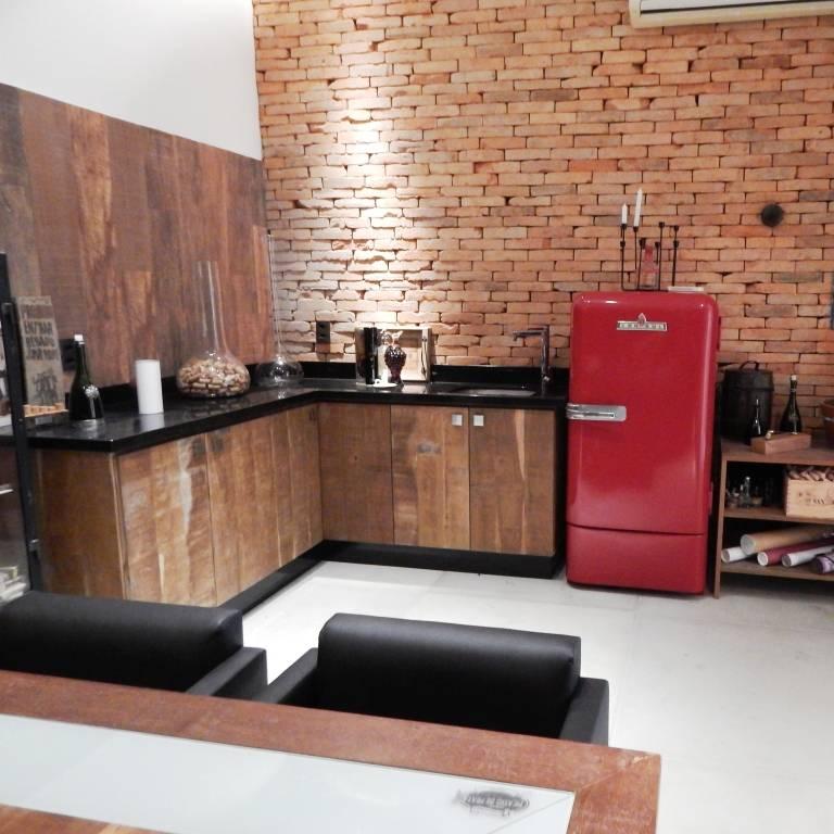 Mesas e Mobiliário
